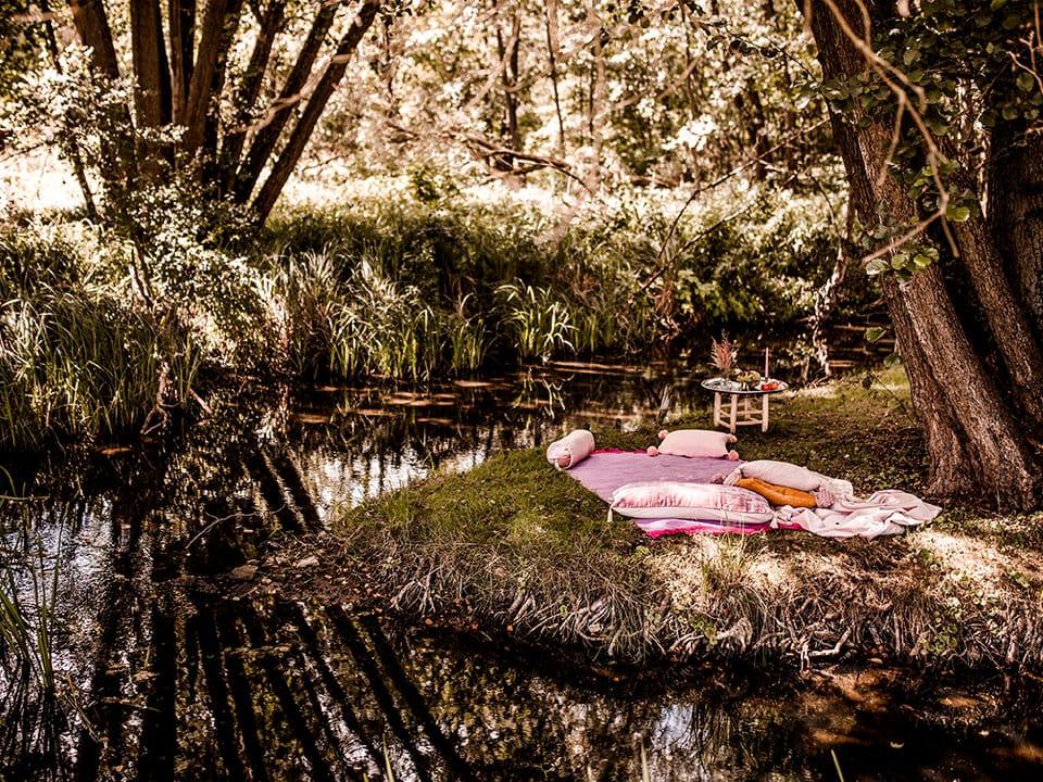 Picknick am Bach Salvey Mühle Hochzeitslocation in der Uckermark Brandenburg